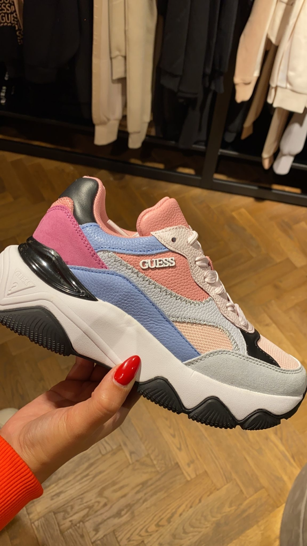 Guess sneakers 👟 multi colour new