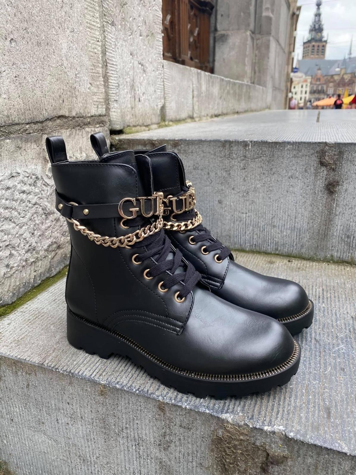 Guess boots met GUESS riempje New