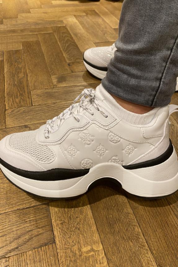Guess sneaker JENNEA new